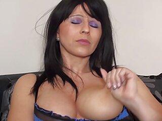 Pornófilmek nézése a vörös haj repül, jó minőségű dohányzást tesz lehetővé a Nagy Mellek kategóriájában. szőrös pina pornó