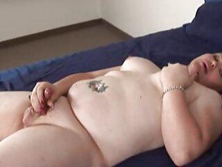 Nézze meg a videót amatőr pornó gyönyörű forró egy szék szőrös puncik jó minőségű, kategória alatt HD pornó.