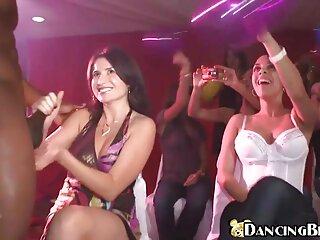 Nézze meg szép szőrös punci a pornó videókat, hogy mélyen a seggébe jó minőségű, kategória alatt HD pornó.