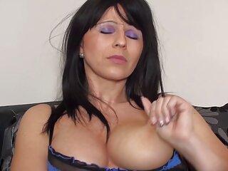 Pornó videók, Mellbimbók, szőrös puncik Amatőr jó minőségű, műfaj, házi pornó, privát.