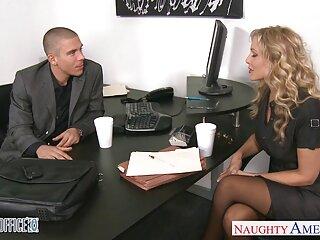 Nézd meg a pornó szőrös p videók gang bang az ágyban egy jó minőségű, kategóriájába tartozó pornó hd.