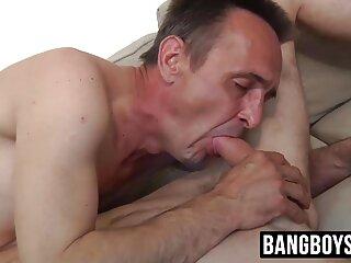 Nézd meg a pornó videók Grizzly jordan-prince megy bozontos punci mélyen a seggét Kendra egy nagy fekete fasz rá jó minőségű, kategóriája alatt a szex a végbélnyílás.