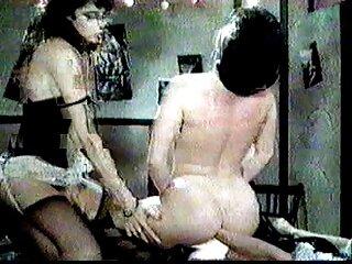 Nézze meg a diva pornó videóit olyan szexi, jó minőségű, HD pornó kategóriában. fiatal szőrös puncik