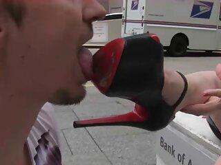Nézze meg a videót pornó Karina Oroszországból jó bozontos punci minőségű, szex, anális szex.